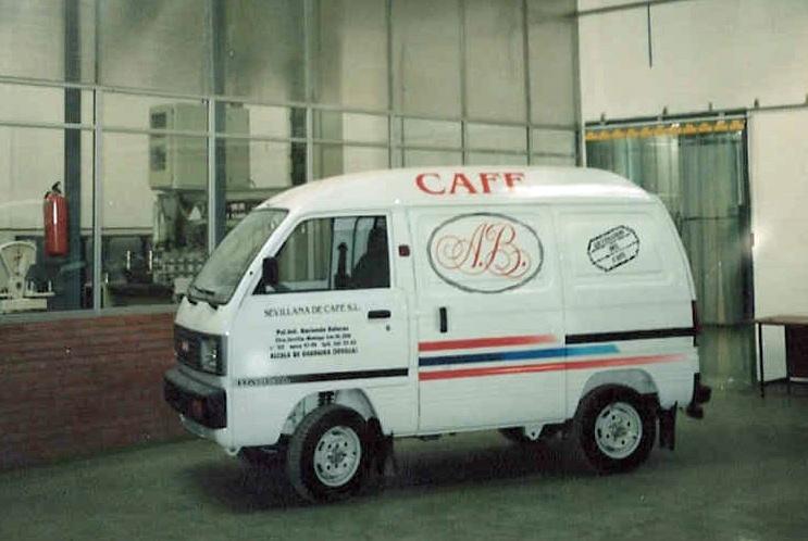 Primera furgoneta de Sevillana de Café
